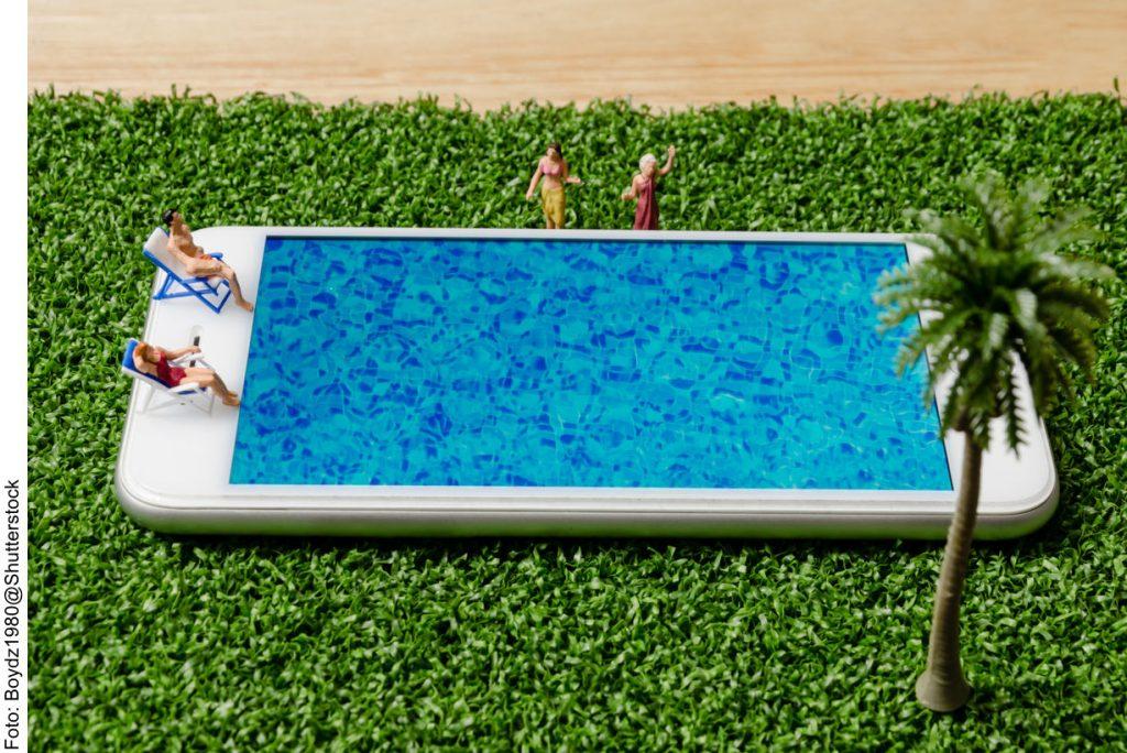 Smartphone als Swimmingpool